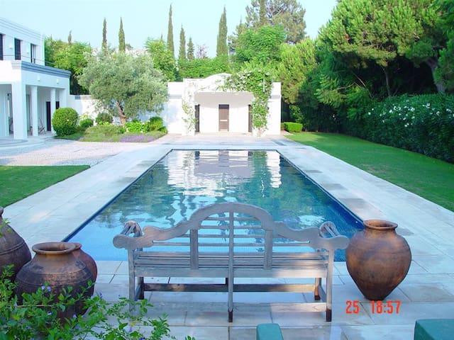 Casa Jacaranda: Algarve Villa - Faro - Villa