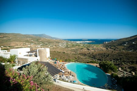 Villa with breathtaking view & pool - Andros