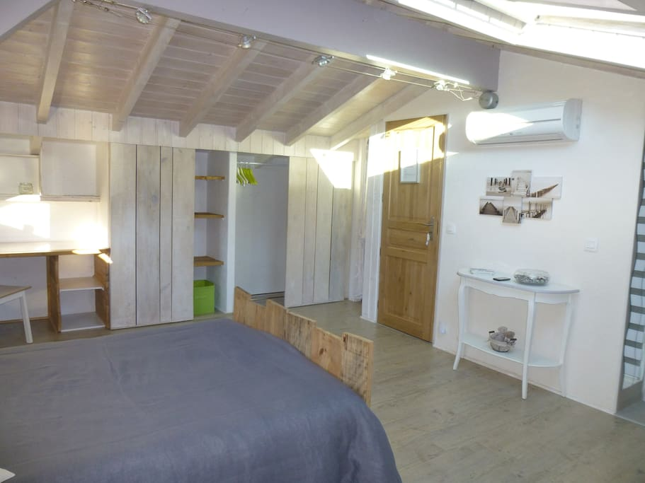 chambre loft biarritz bed and breakfasts for rent in
