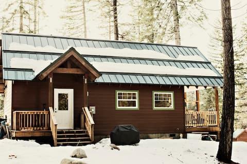 Holiday Lane Cabin, Leavenworth, WA