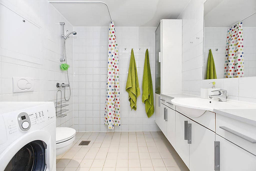 Bathroom with bench space for all your stuff