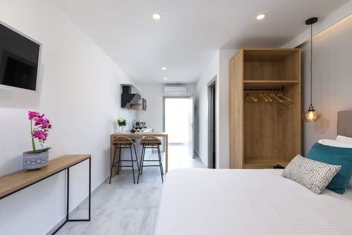 Double Comfort | V Luxury Suites