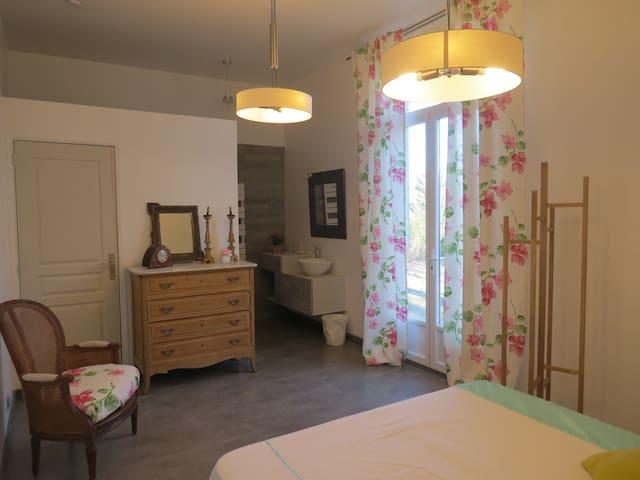 Chambre d'hôtes Le Jardin  Myrtille - Laragne-Montéglin - Bed & Breakfast