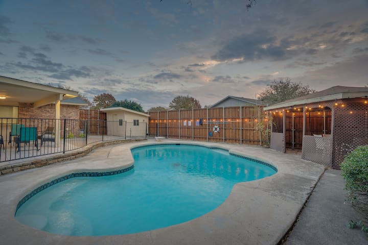 Location, Pool, Luxury and Everything in Between