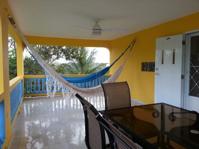 Casita Coqui, Lares sleeps 4-10