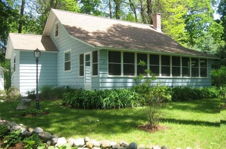 Cozy Cottage on Lake Michigan