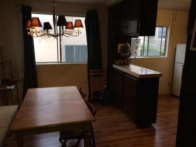 Friendly/Clean Room- West Hollywood - Apartments for Rent in West ...