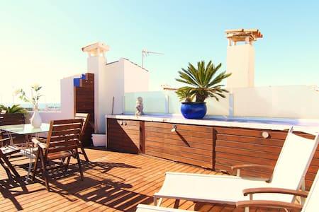 ESENCIA MEDITERRANEA : Oceanfront . - Sitges - Apartamento
