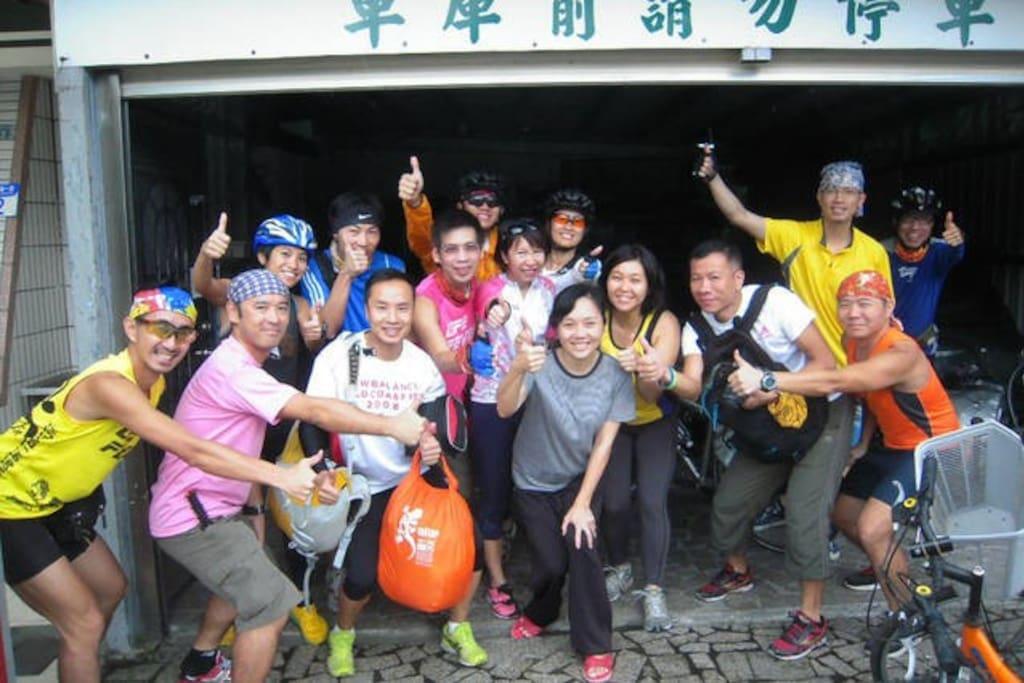 香港單車族與老闆娘