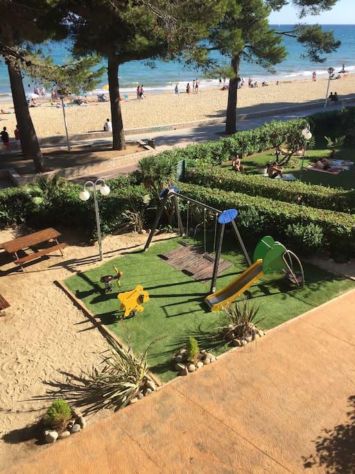 Estudio 10m de la playa c piscina apartments for rent for Piscina cambrils