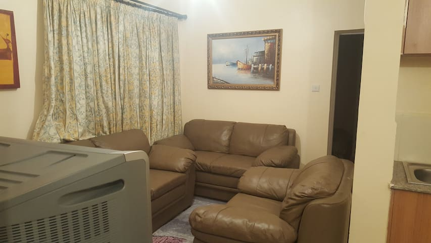 Affordable & Cosy 2 Bedroom / 2 Bath Apartment - Nairobi - Apartment