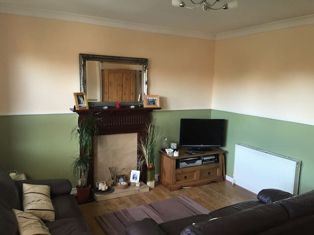 Cosy getaway in a quiet street - Paisley - Apartment