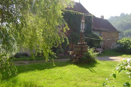 chambre familiale à la ferme - Saint-Igest