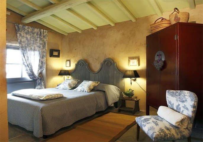 Romantic cottage above the sea - lucca - House