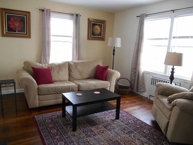Stay and Relax in Toledo, Ohio - Toledo - Apartment