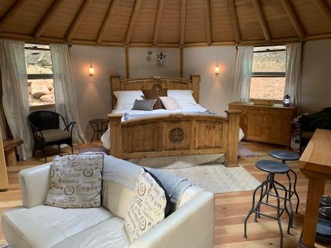 Glamping Retreat- Beautiful, Private Yurt Cabin