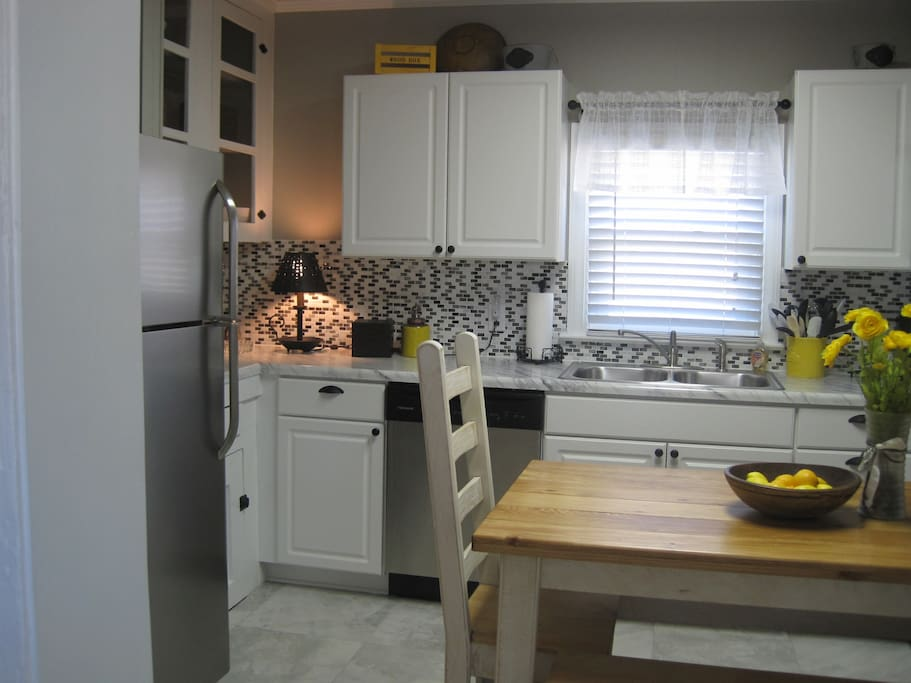 The kitchen is fully equipped with blender, indoor George Forman Grill, toaster, coffee pot, new stainless steel appliances, with a welcome package that awaits you.