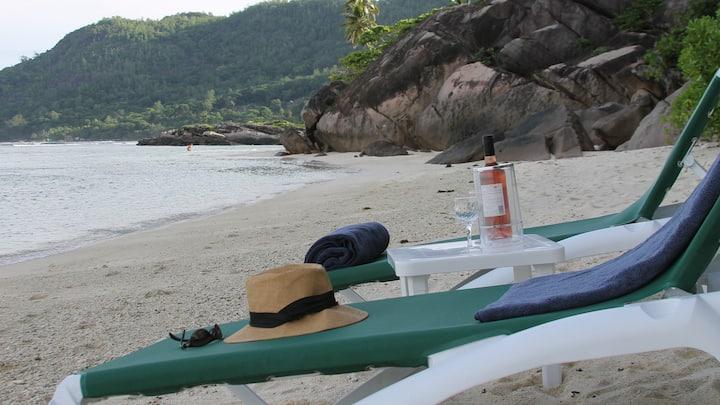 Beachfront Villa 170m+best beach+garden+3 staff