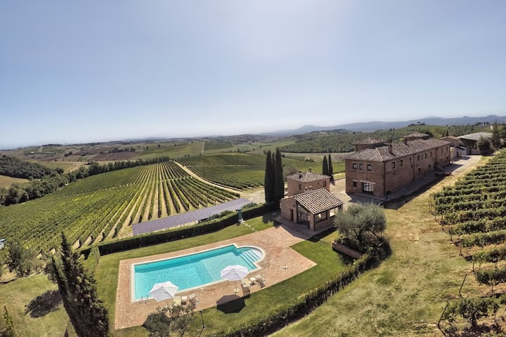Winefarm Tuscany | Farmhouse with pool | Casa Rosa