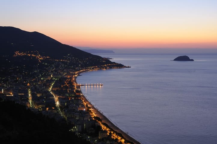 ALASSIO 50 meters from the sea