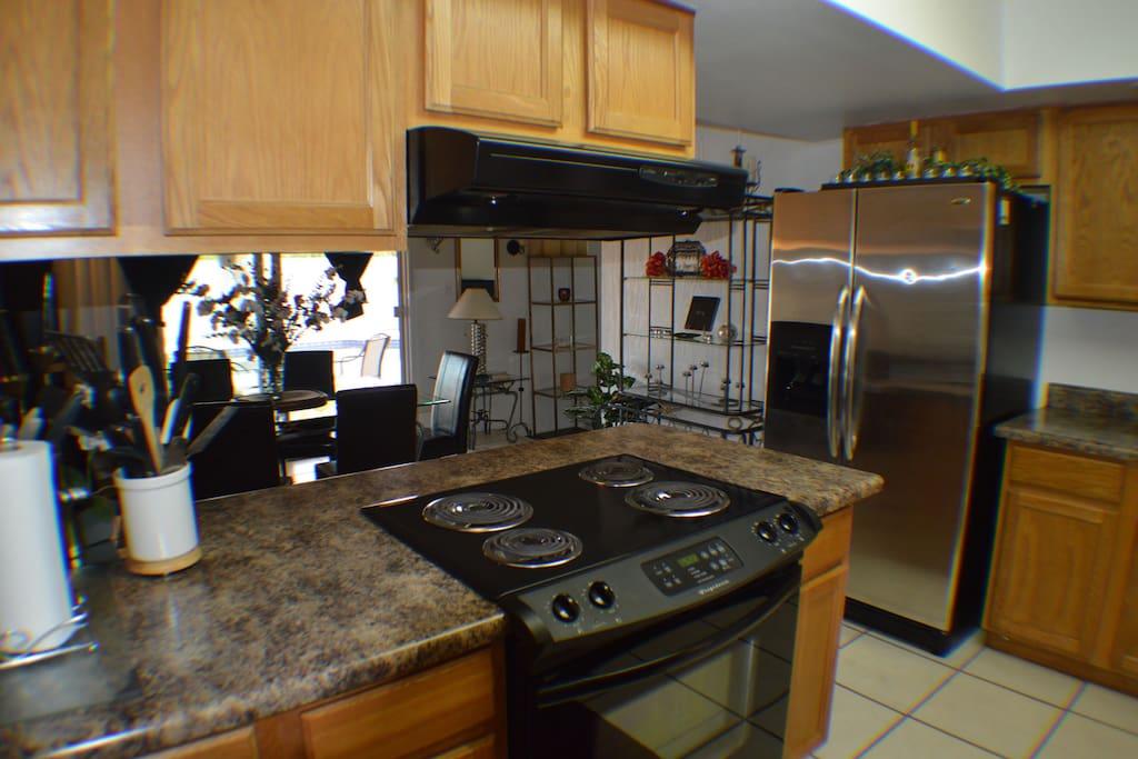 Kitchen, Newer appliances, super clean