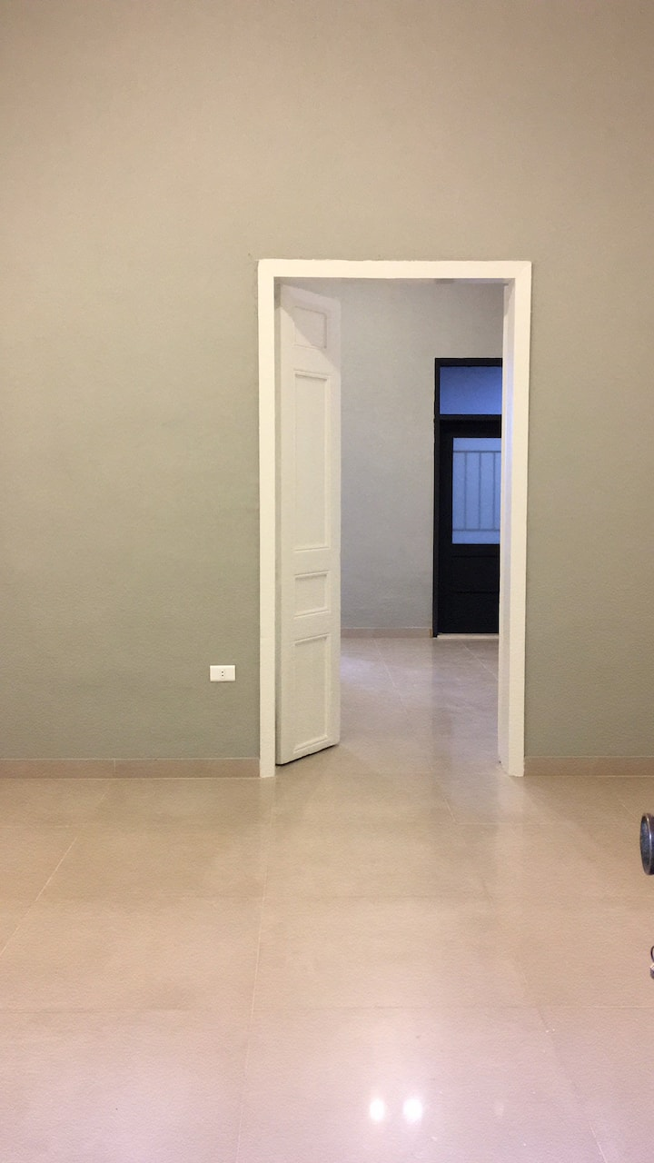 Great 1 bedroom apartment on Sassine Square