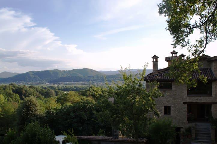 Bilocale nel bosco - Citta di Castello