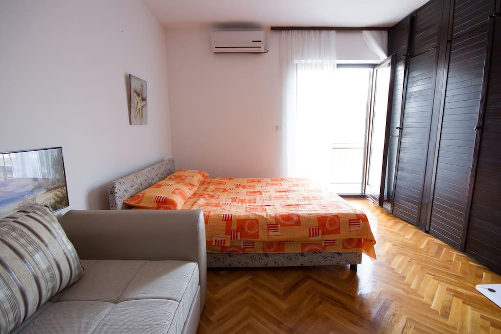 5' Walk from Old Town And Beaches