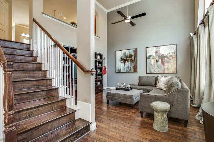 Shops Of Legacy Cool Townhouse - Plano - House