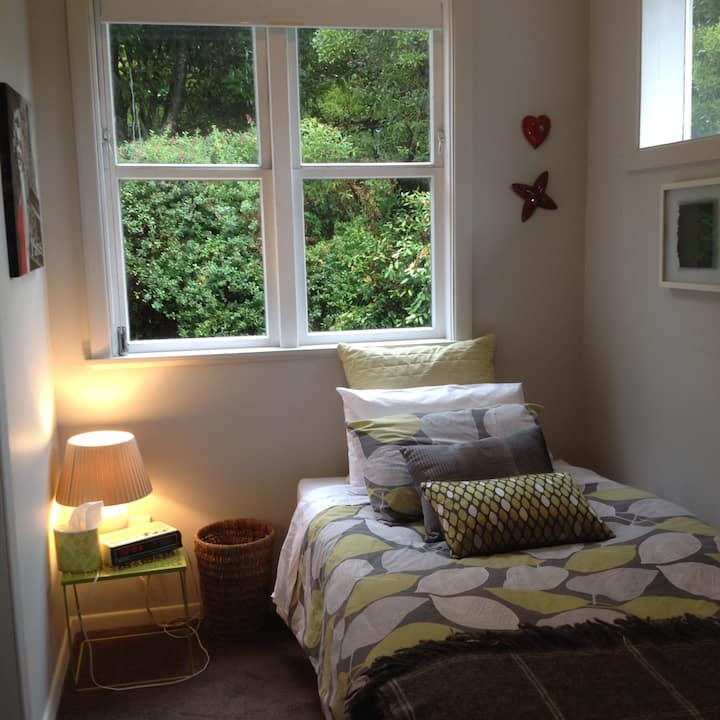 Warm, clean comfortable home to share