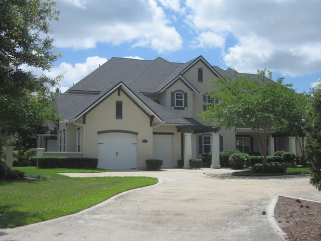 Luxury Townhouse on Golf Course - Fernandina Beach - Haus
