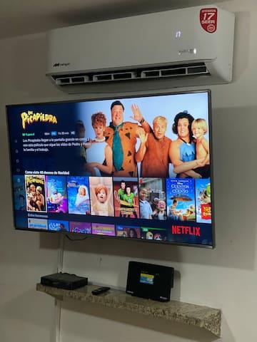 Smart tv LG de 55 pulgadas controlada por voz ,  con cuentas de Netflix activa, Dish, y Wifi...