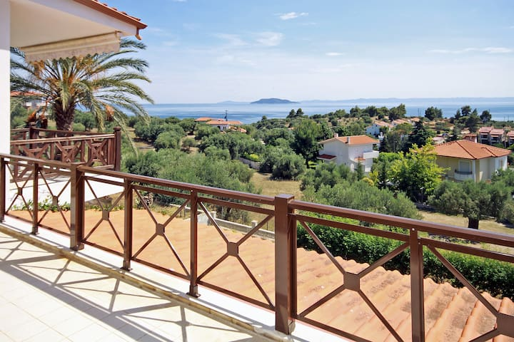 Sea View Maisonette close to Neos Marmaras