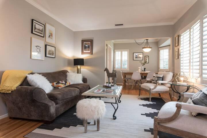 Stay Gia   Luxury 2 Bedroom House   Heated Pool   Near Universal Studios