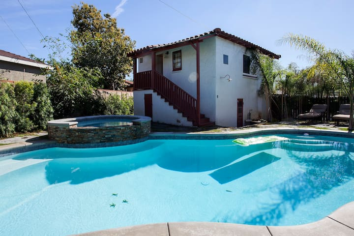 Private Guest House 7miles fromDTLA - Los Angeles - Hospedaria