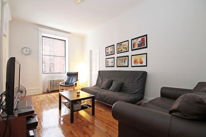 GREAT Location in Chelsea!