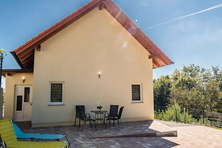 Amazing Holiday House near Olimia