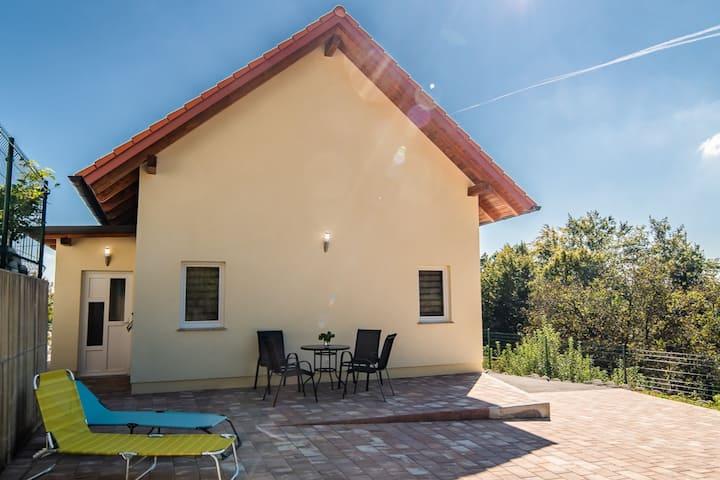 Amazing Holiday House near Olimia