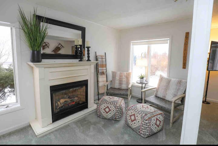 Cozy and Clean Home- Newly remodeled