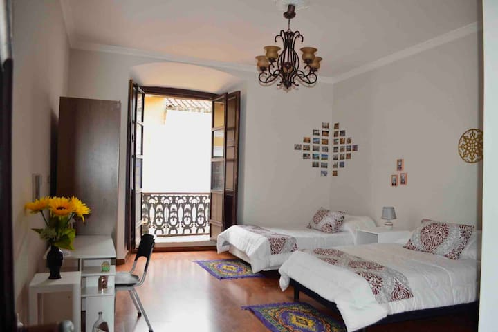PRIVATE SUITE-Historical Center -Traveler's House