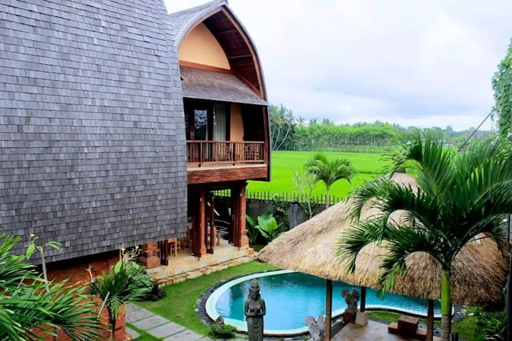 The art apartment with a pool and rice fields view - Ubud - Byt