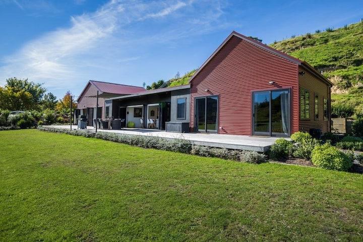 Vineyard Villa 2 Bedrooms at Kiwiesque, Hawkes Bay