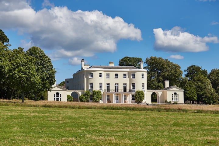Rockbeare Manor - Country House in Devon