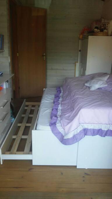 Quarto com tri cama