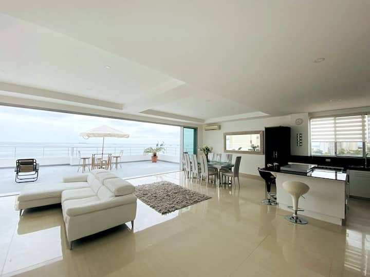 Penthouse, espectacular vista panorámica al mar