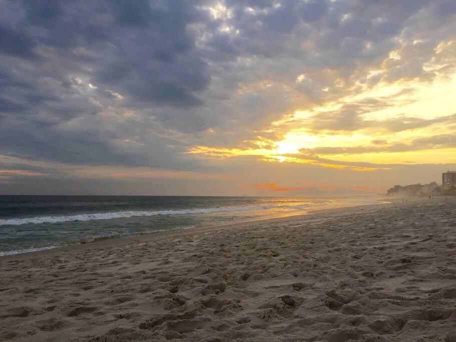 Beach front Condo at Barra da Tijuca Beach Posto 5 da Praia