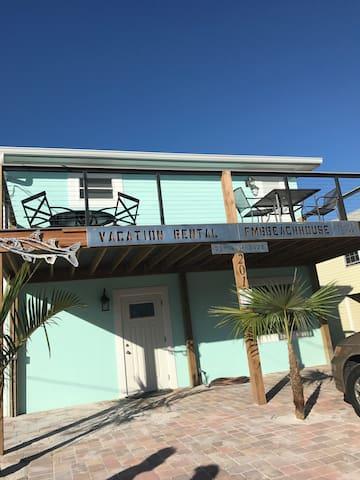 Newly remolded dublex near Times Square & beach - Fort Myers Beach - Ház