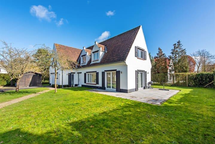 Villa op wandelafstand van zee en strand Knokke