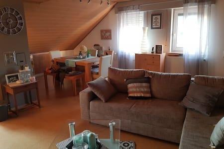 Einzimmerwohnung im kleinen Dörfchen