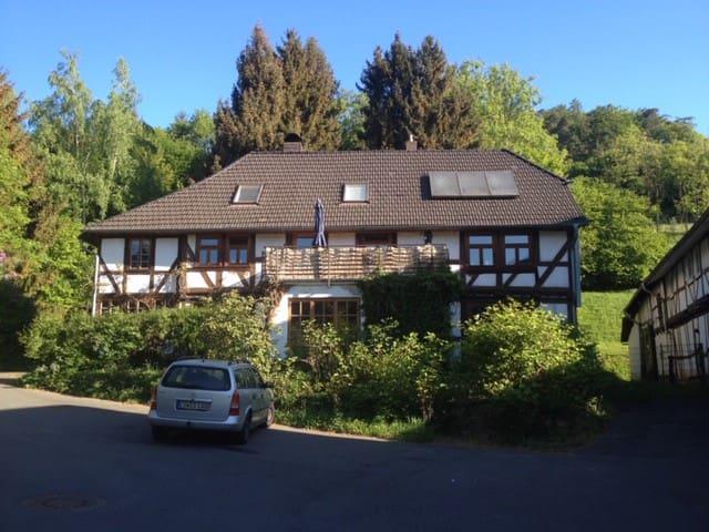 Wohnen in  schönem Fachwerkhaus und Natur pur !!!